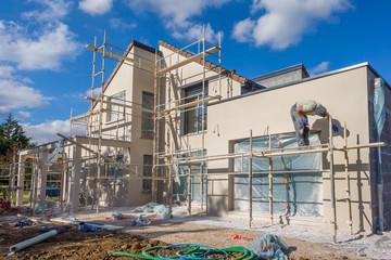 Centrale de location : Avec quoi nettoyer la façade d'une maison à Martillac ?